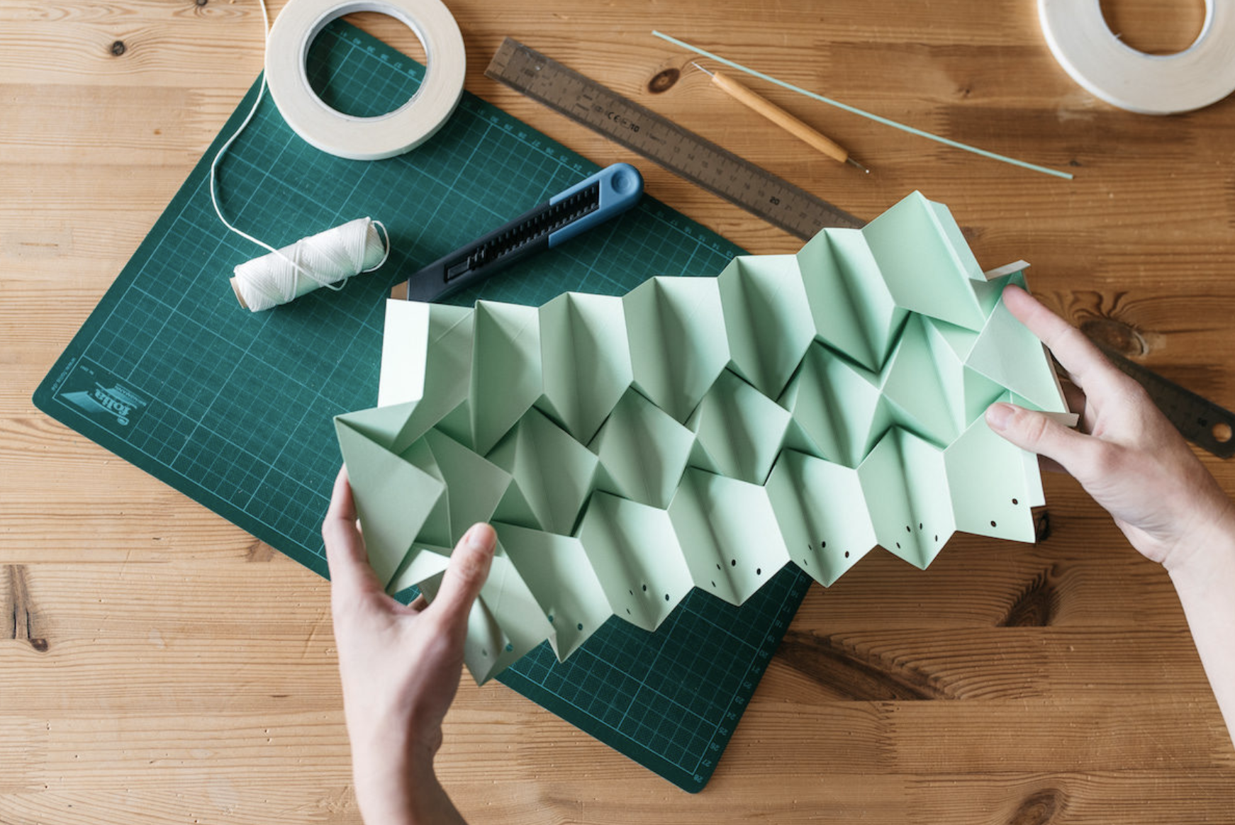 Snowpuppe's paper lanterns in production